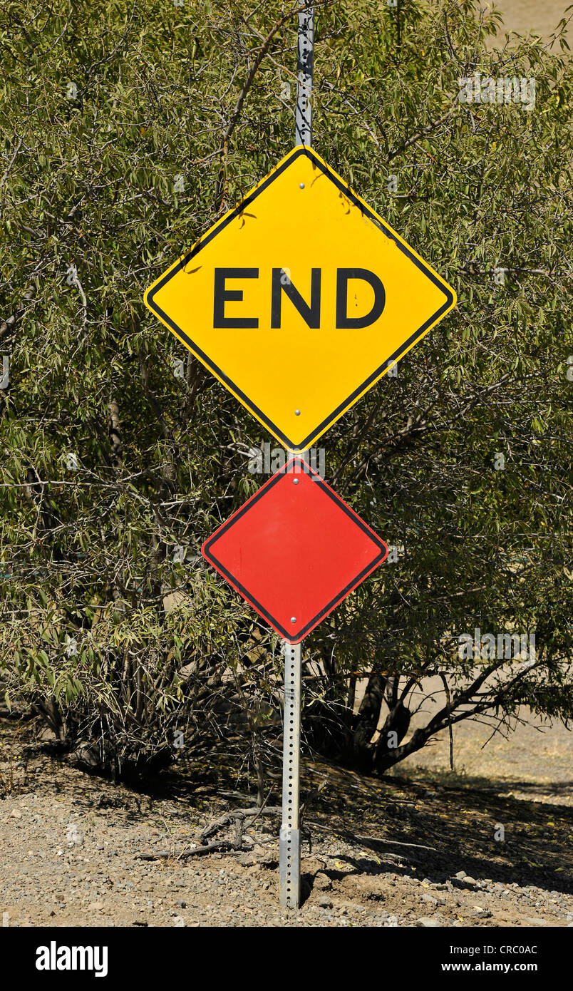 Street sign, lettering 'End', end of the road, Livermore, California, USA - Stock Image