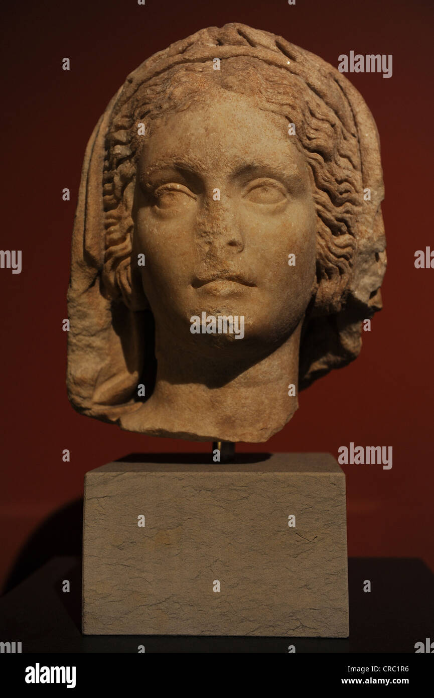 Robed head of a priestess of the goddess Athena. 117-138 BC. Found in the Byzantine wall of Pergamum. - Stock Image