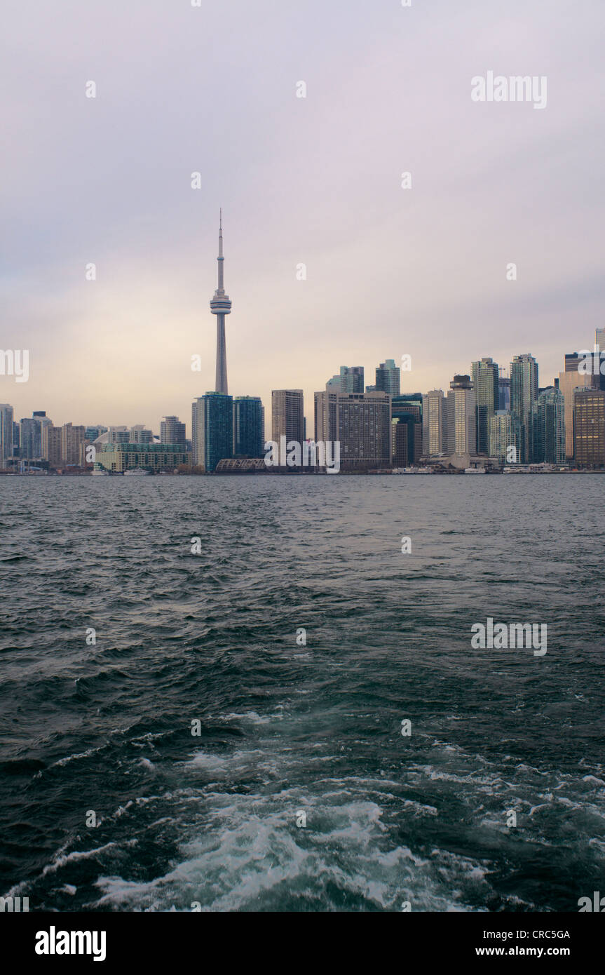 Toronto city skyline on water - Stock Image