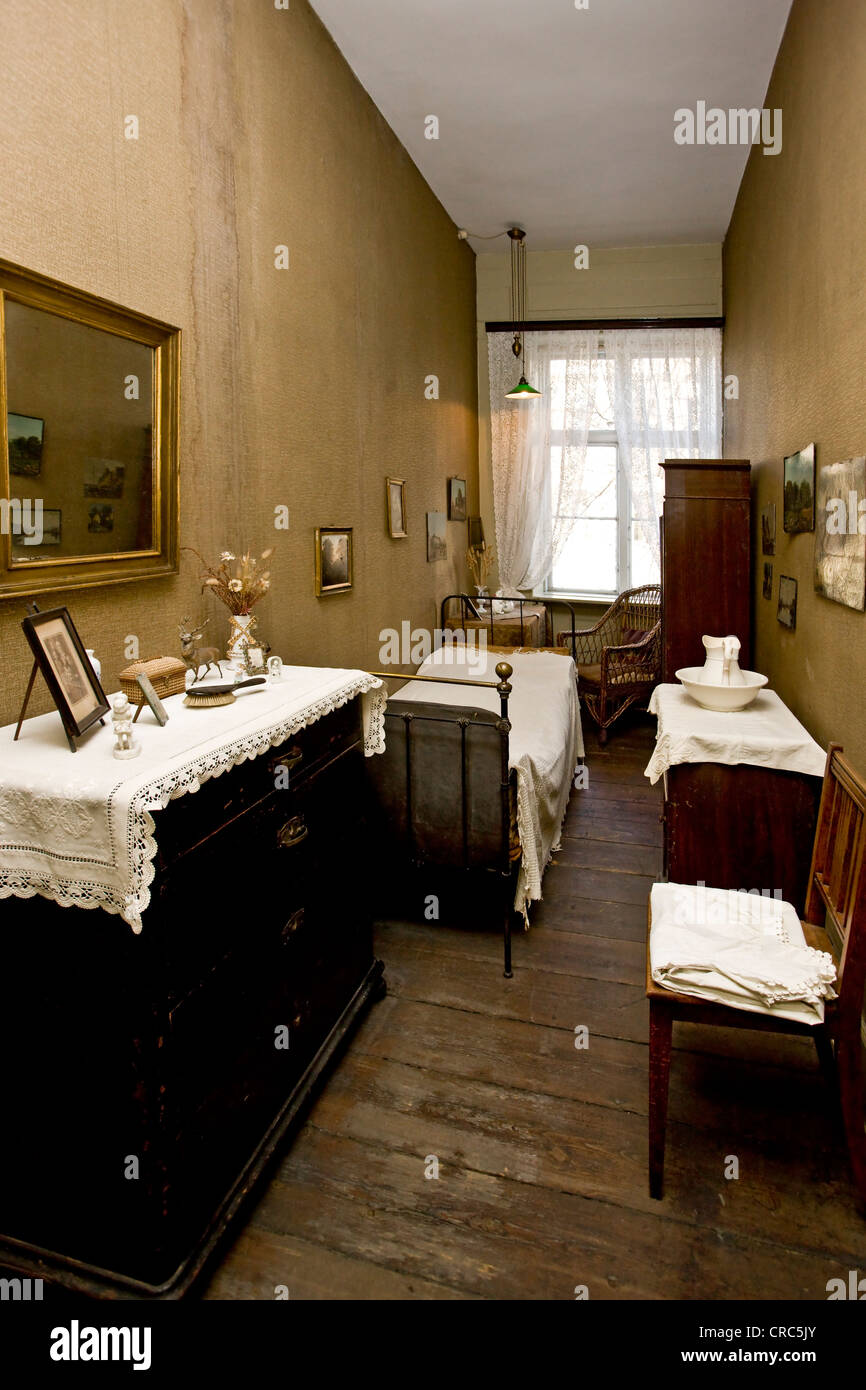 Housemaid's room in a Victorian home from around the turn of the 20th century - Stock Image