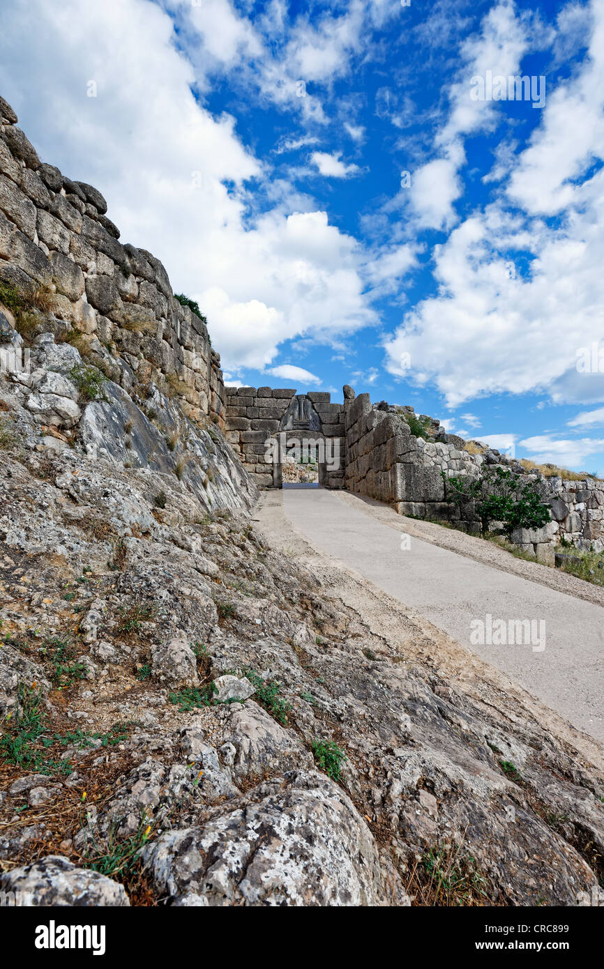 The road to Lion Gate (1.240 B.C.) Mycenae, Greece - Stock Image