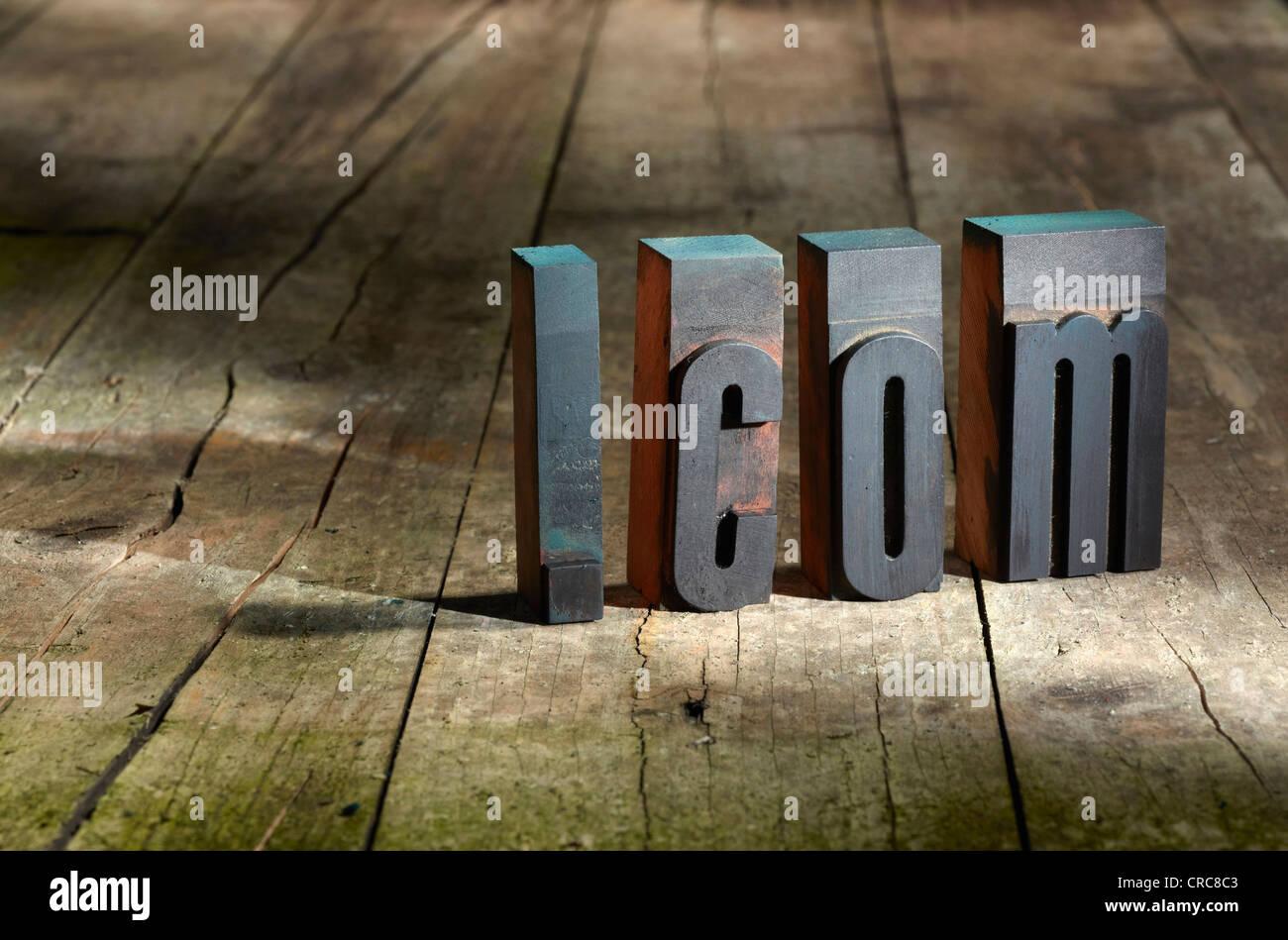 Wooden blocks spelling .com - Stock Image