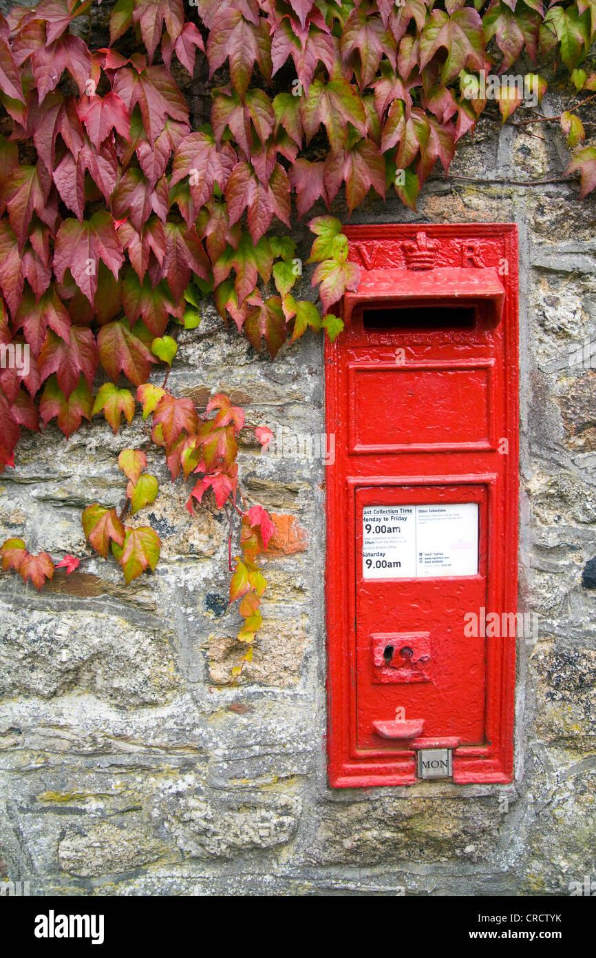 Victorian Wall Post Box in sheepstor, Devon, england Stock Photo