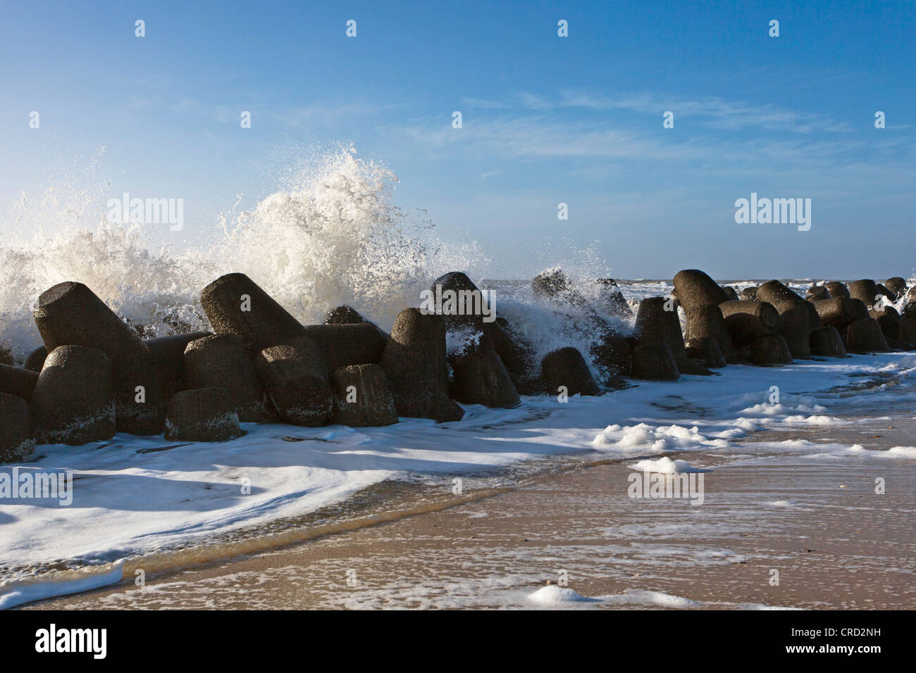 Surf and tetrapod barriers, Hoernum, Sylt, Schleswig-Holstein, Germany, Europe - Stock Image