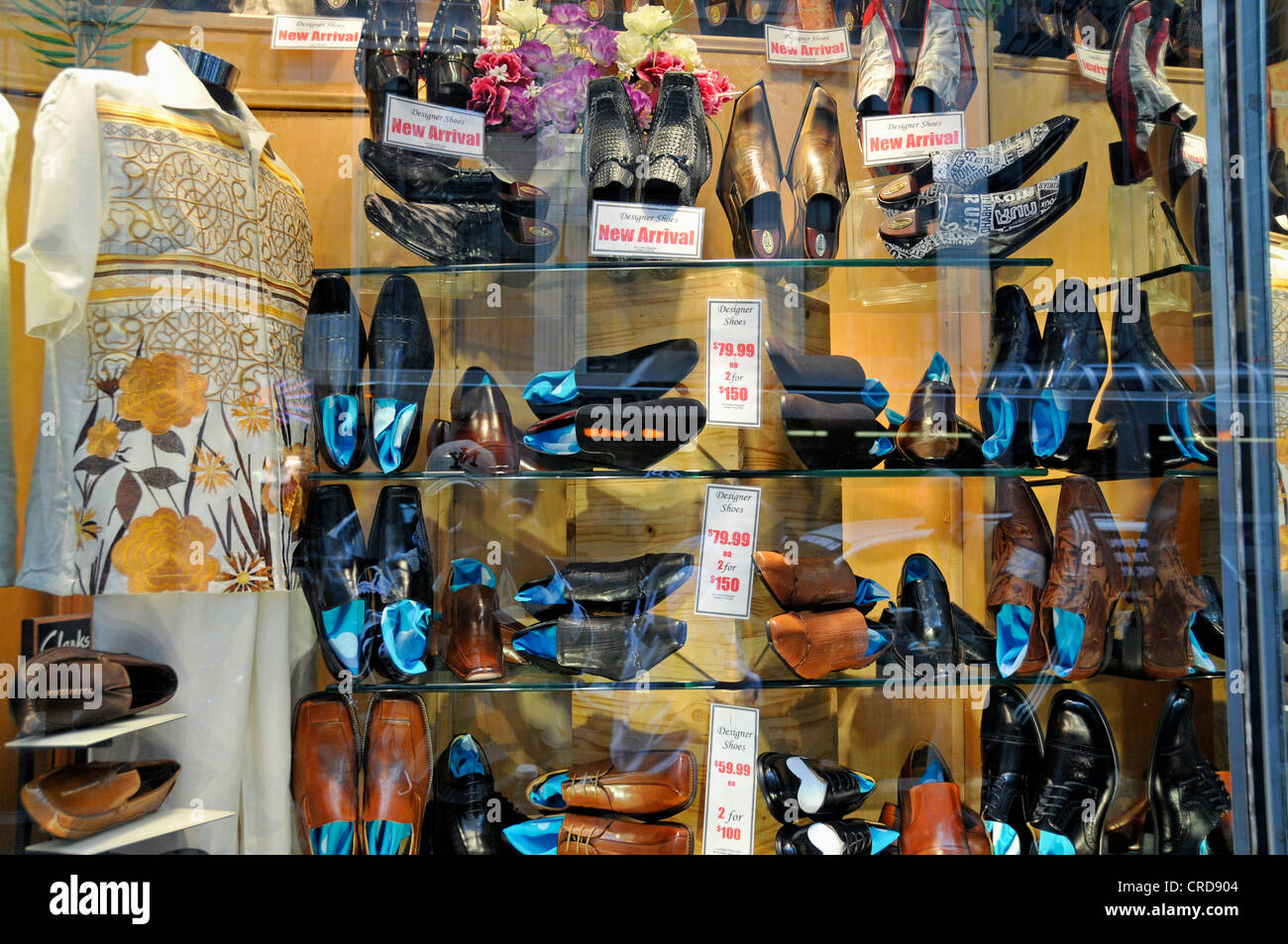 shop-window of a boutique in the Fifth Avenue, USA, New York City, Manhattan - Stock Image