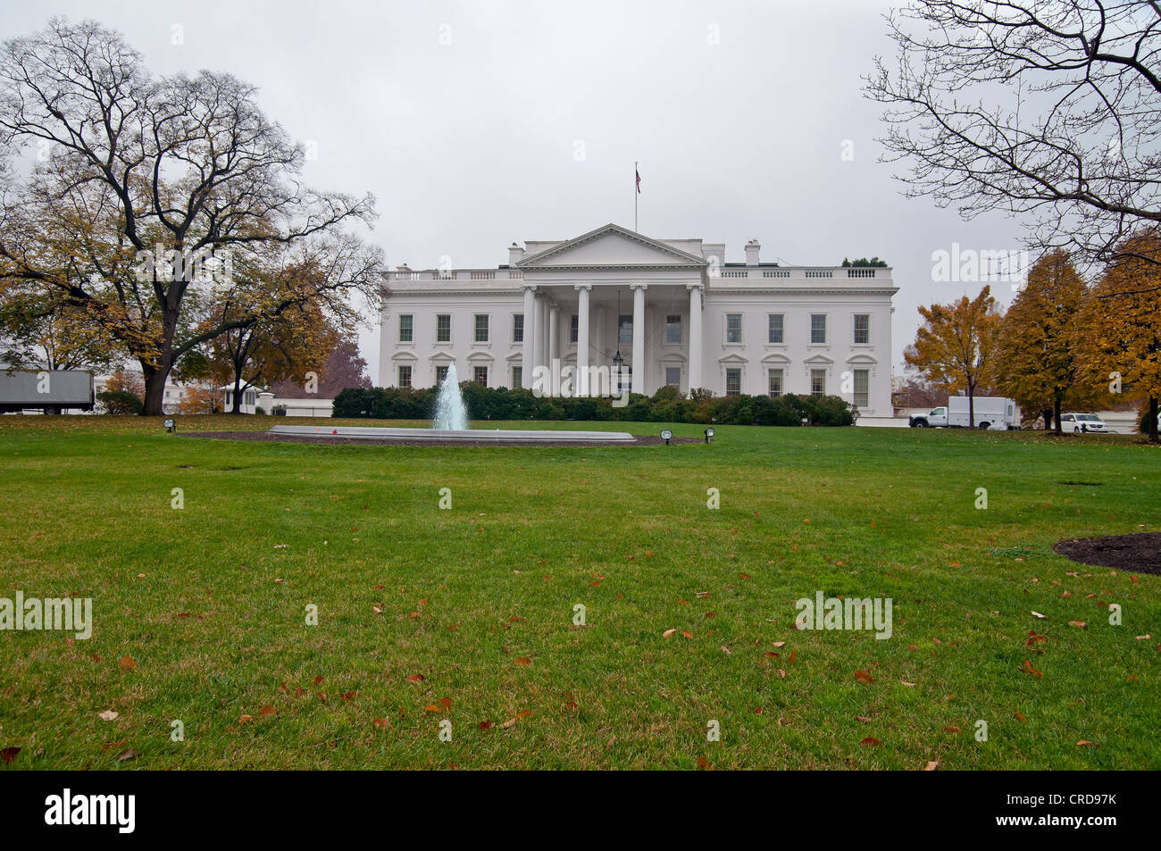 USA, Washington. North facade of the White House in the autumn in cloudy weather - Stock Image
