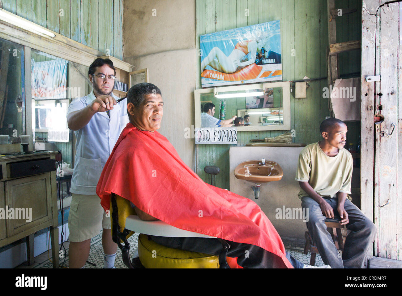Private hairdressing salon in the old town, Santiago de Cuba, Cuba - Stock Image