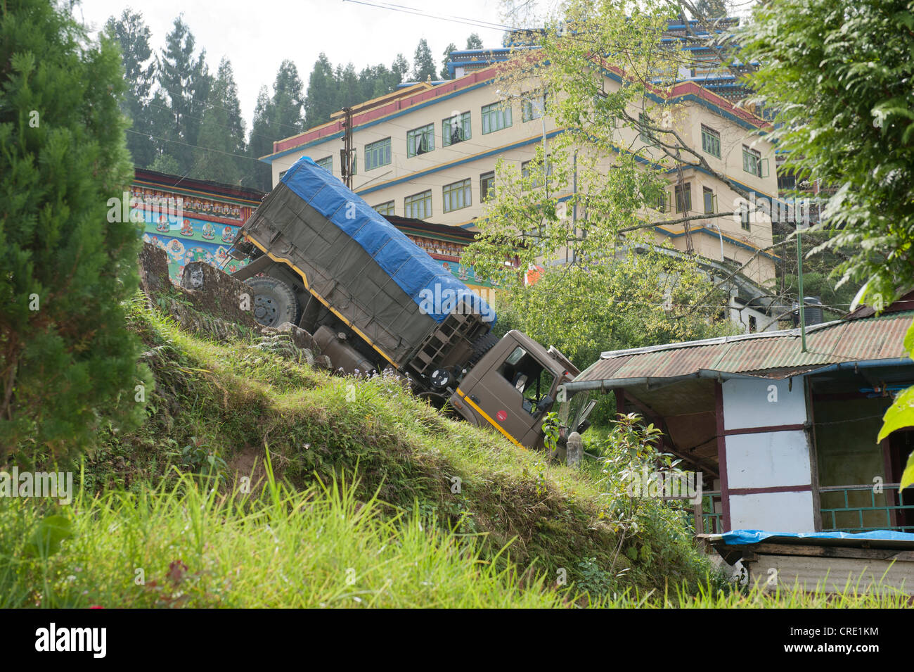Accident, truck having crashed down a slope, Rumtek Monastery near Gangtok, Sikkim Himalayas, India, South Asia, - Stock Image