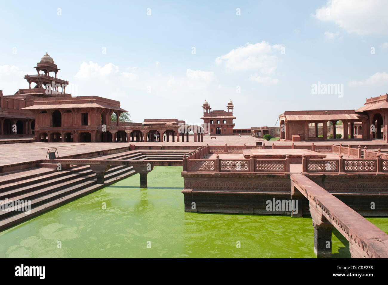 Mughal architecture, Royal Palace, Ghat with water basin, green water, Panch Mahal, a five-story palace and the - Stock Image