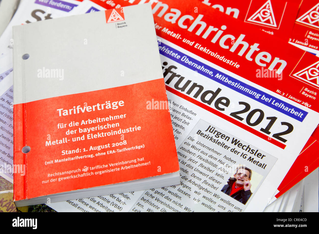 Manual of collective agreements for employees of the Bavarian metal and electrical industry from the IG Metall trade - Stock Image