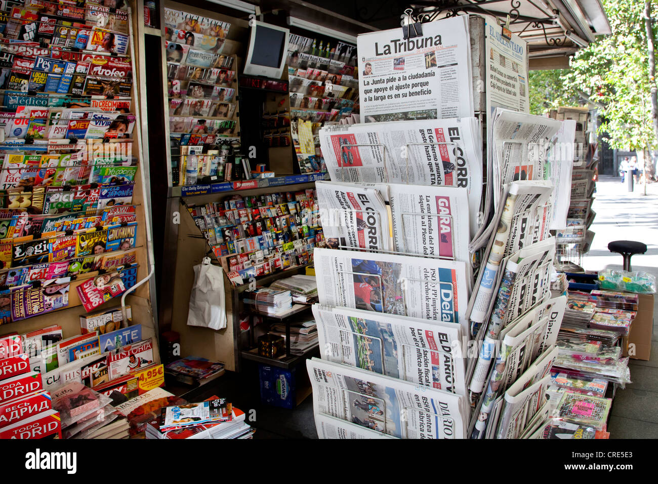 Newspaper kiosk with Spanish newspapers and magazines in Madrid, Spain, Europe - Stock Image