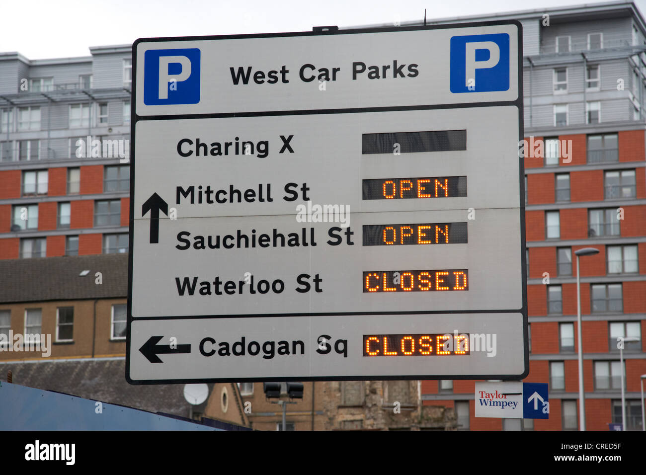 electronic signs for car parking in west glasgow scotland uk - Stock Image