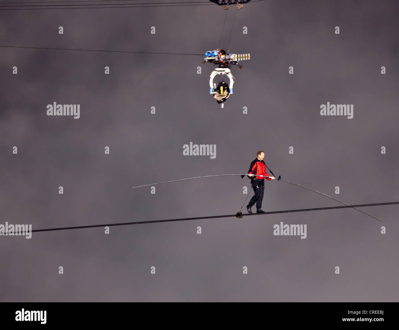 Nik Wallendar on his high wire walk over Niagara Falls for Goat Island Niagara,New York Sate to Niagara Falls in - Stock Image