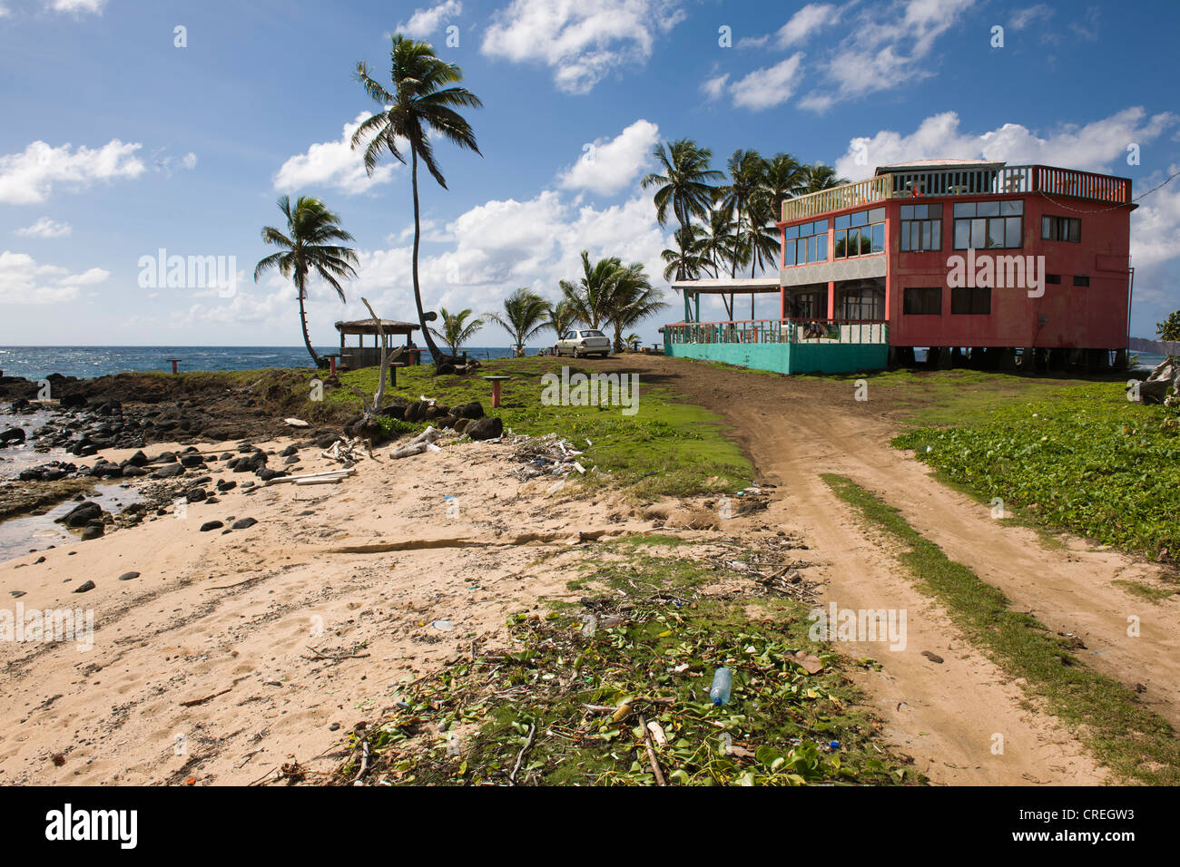 Restaurant, polluted beach, Big Corn Island, Caribbean Sea, Nicaragua, Central America - Stock Image