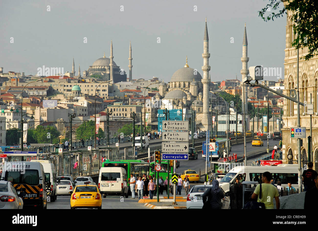 ISTANBUL, TURKEY. A view over the Galata Bridge from Karakoy to Eminonu, with the Yeni and Nuruosmaniye mosques Stock Photo
