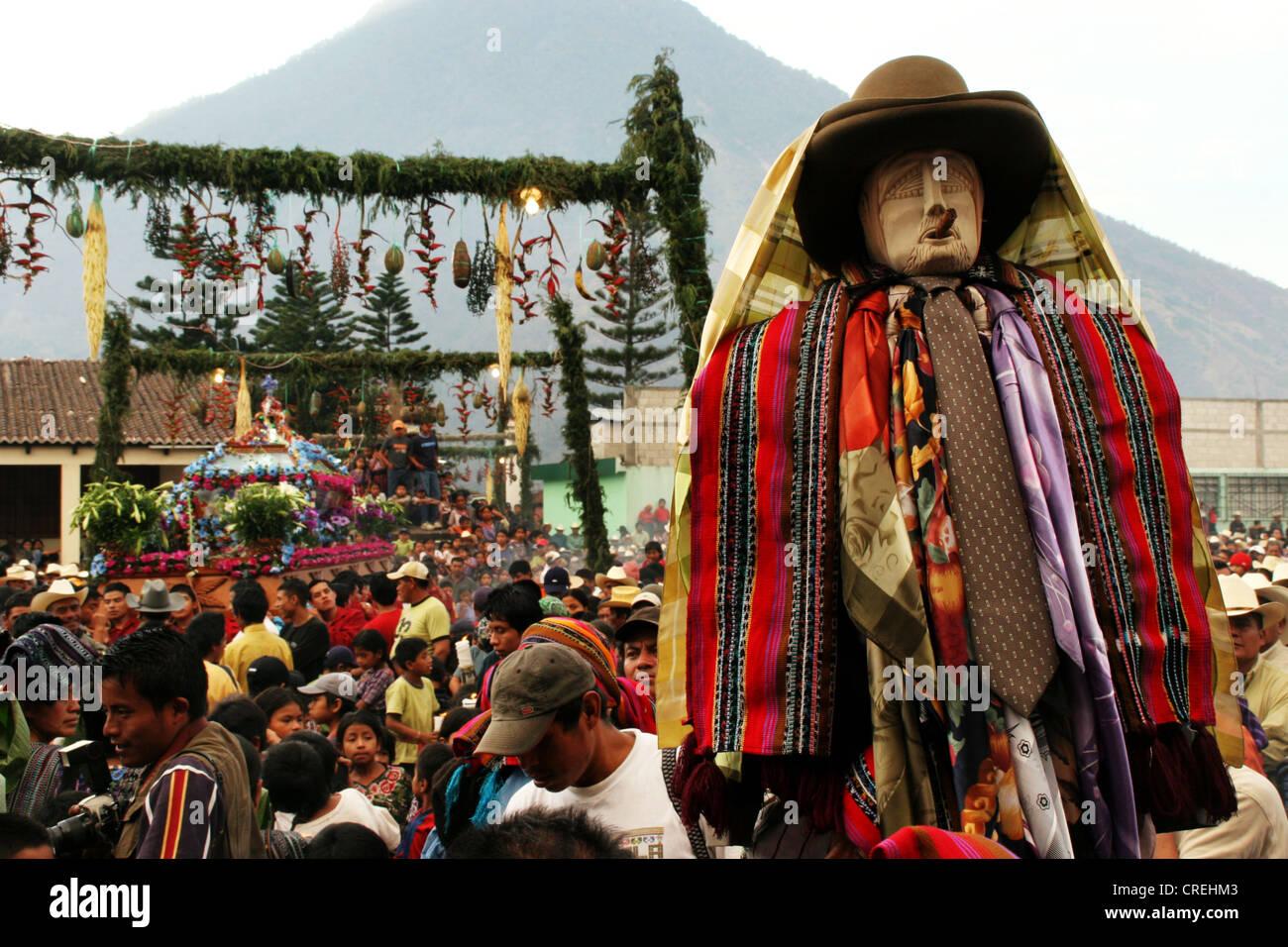Maya patron saint Maximon in procession through Santiago de Atitlan taken, Guatemala, Atitlansee, Santiago de Atitlan - Stock Image