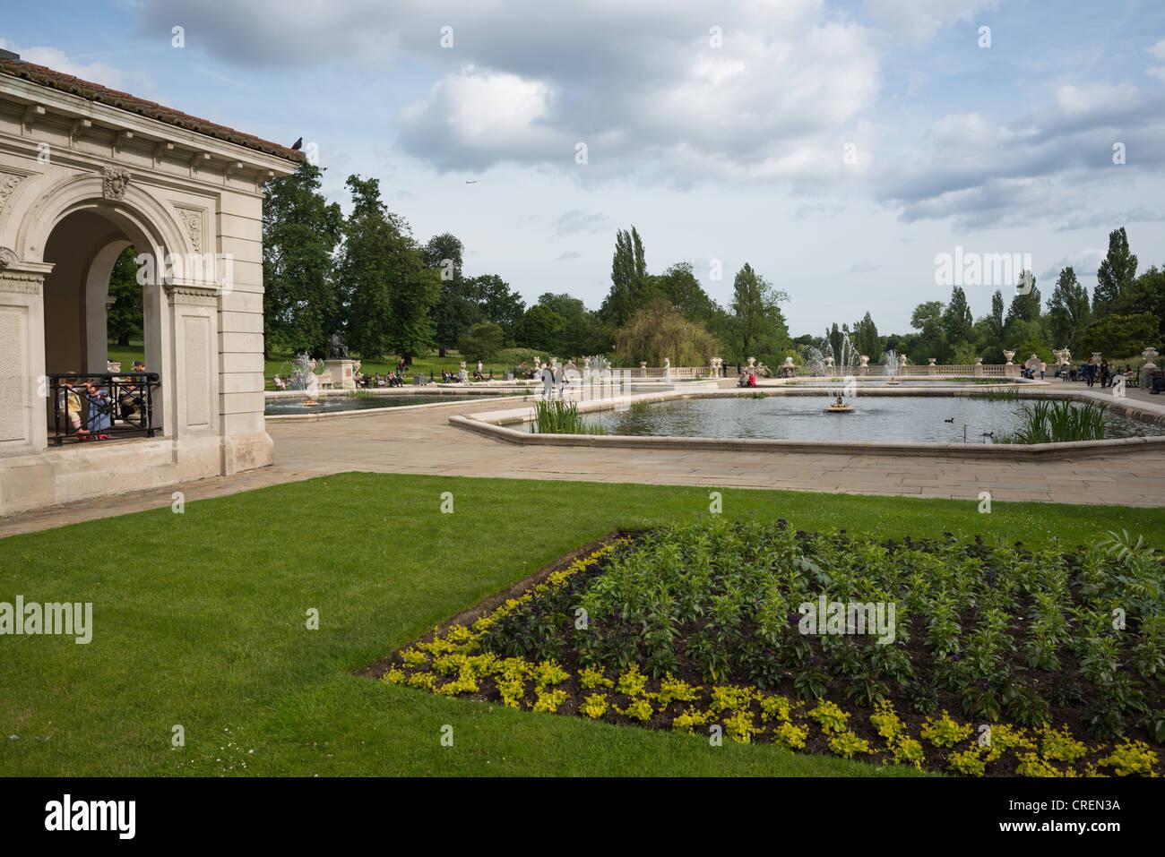 The Italian Gardens in Kensington Gardens, Lancaster Gate, London, England. - Stock Image