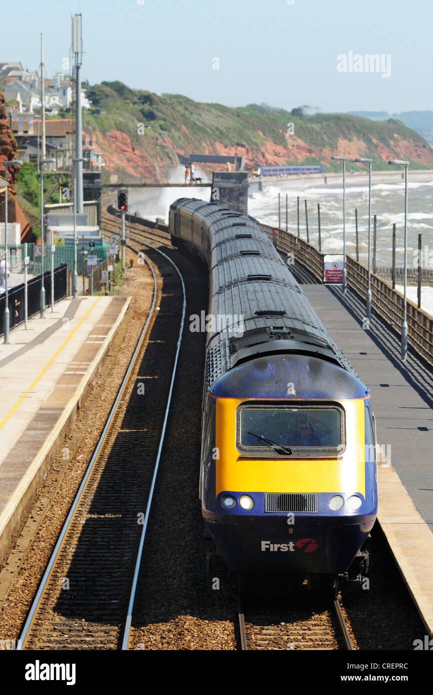 First Great Western HST express train passing through Dawlish Railway Station - Stock Image