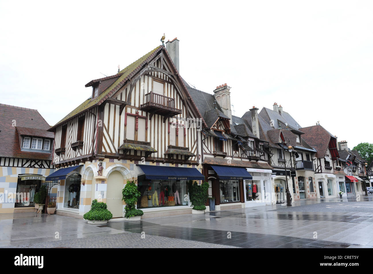 Deauville exclusive shops shop shoppng Normandy France - Stock Image