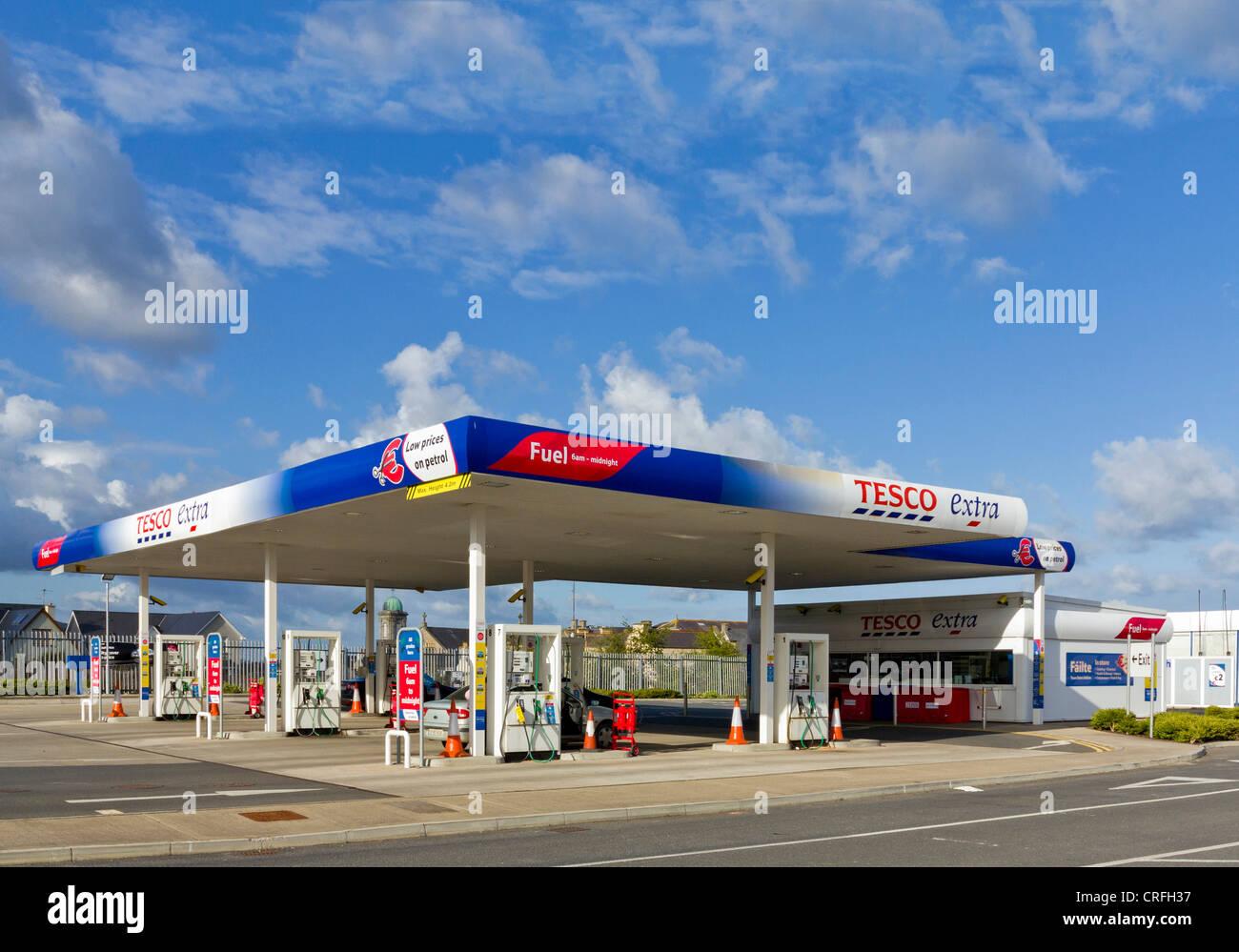 Tesco petrol station, UK - Stock Image
