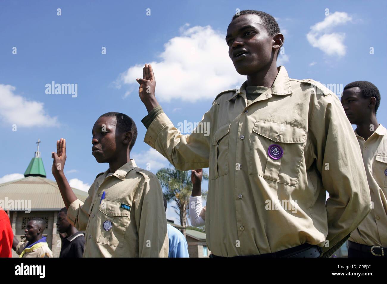 Boy Scouts saluting, Nairobi/Kenya - Stock Image