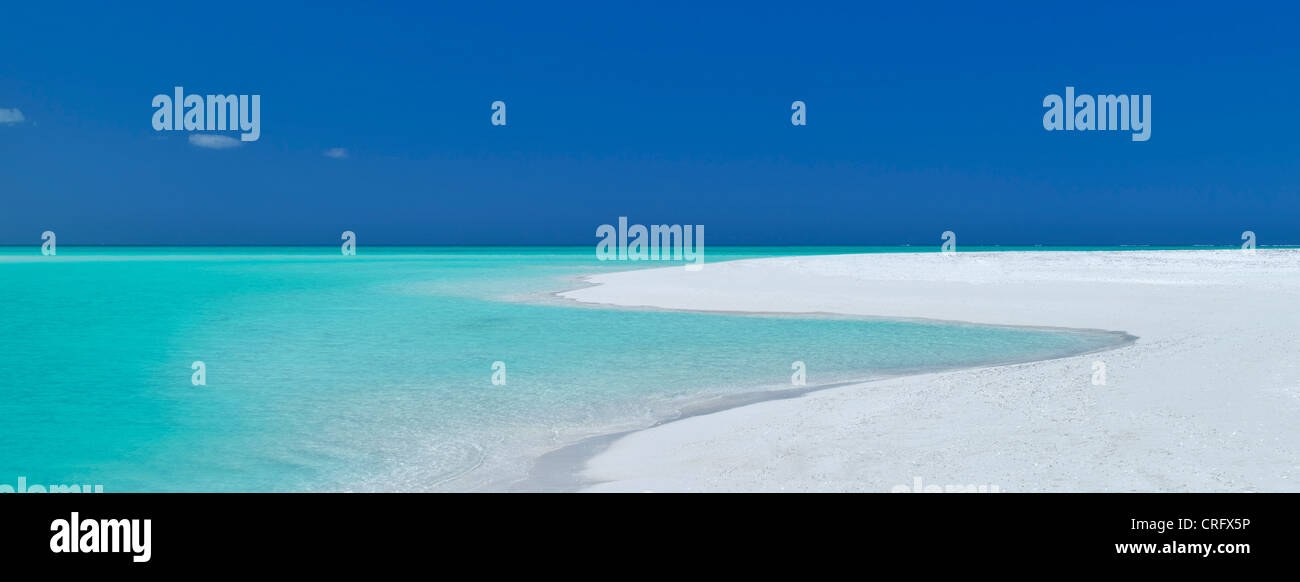 Shoreline of Fort George Cay, an uninhabited island. Turks and Caicos. - Stock Image