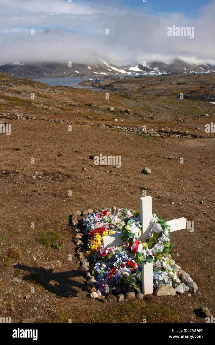 grave on cemetery, Greenland, Ammassalik, East Greenland, Kulusuk, Kap Dan Stock Photo