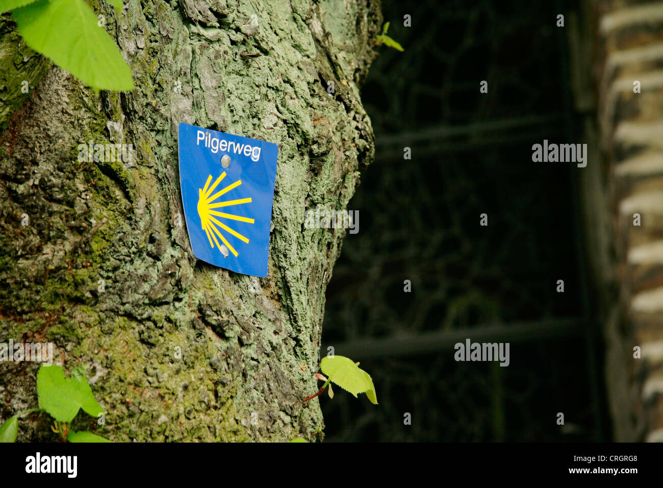 direction sign for pilgrimaging on the Road to Santiago de Compostela, Germany, North Rhine-Westphalia, Ruhr Area, - Stock Image
