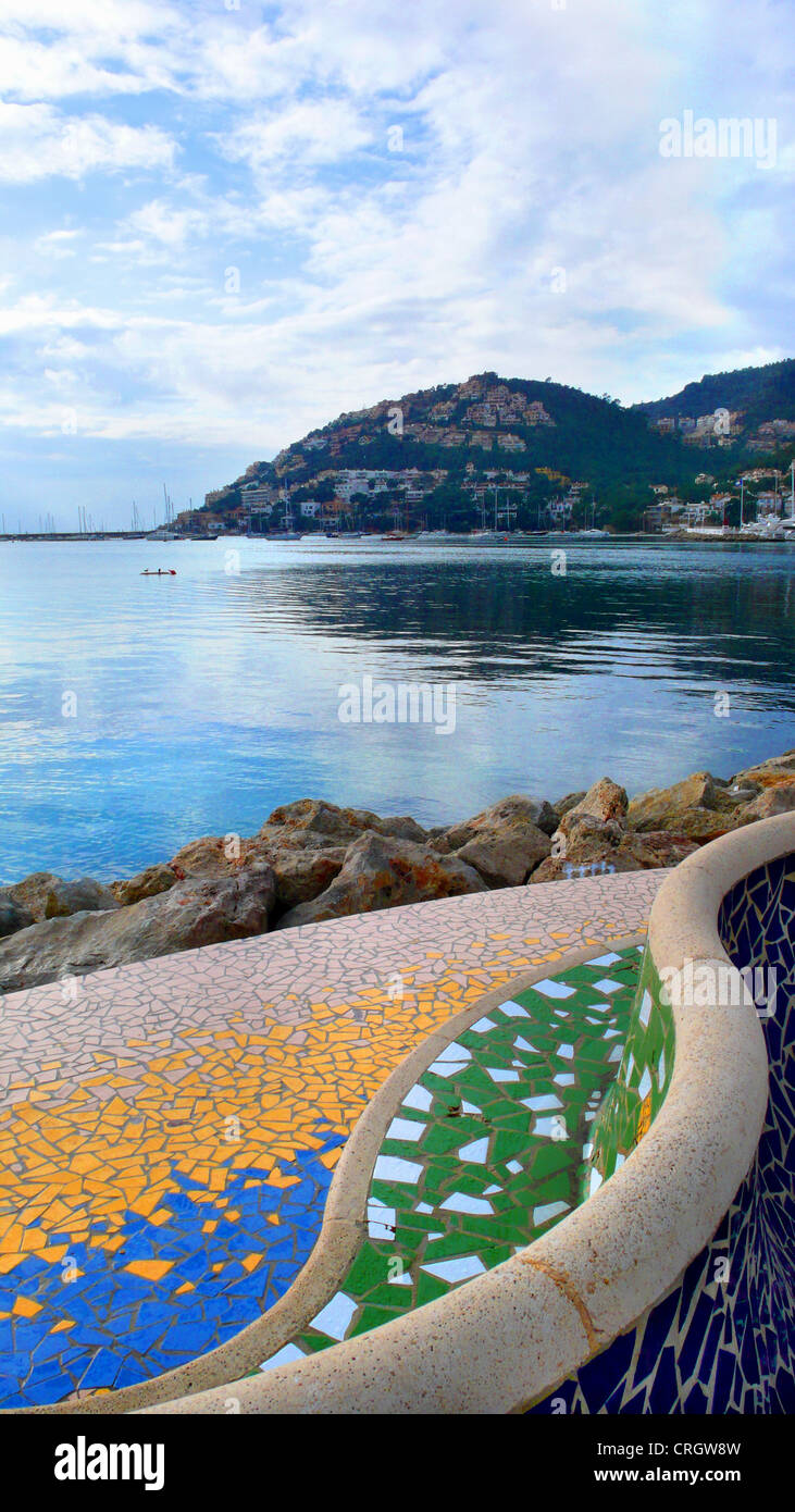 sitting accomodation at the harbour in Andratx, view onto the bay, Spain, Balearen, Majorca, Andratx - Stock Image