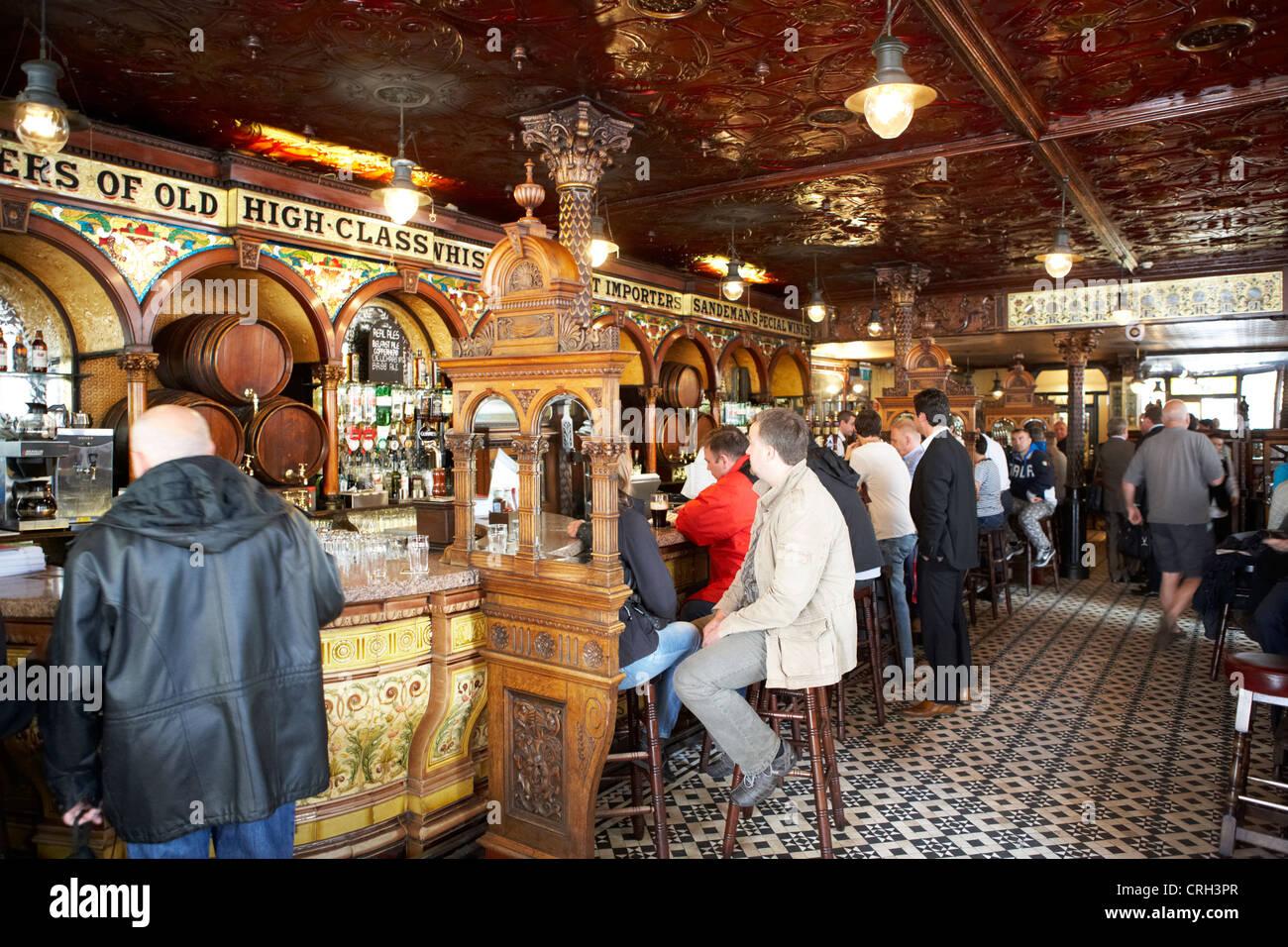 interior of the crown liquor saloon bar pub in belfast northern ireland uk - Stock Image