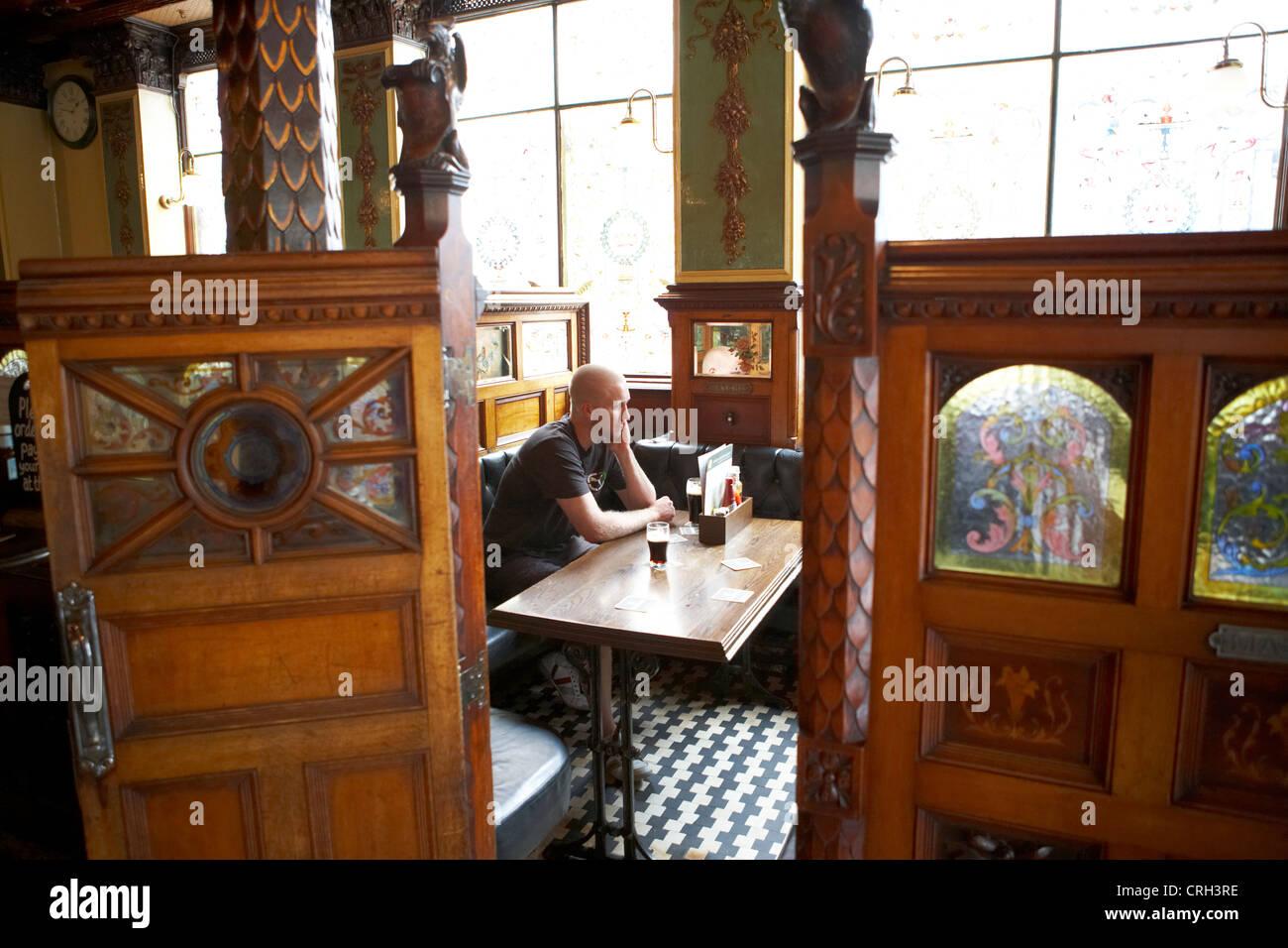 Cottage Dining Room Design