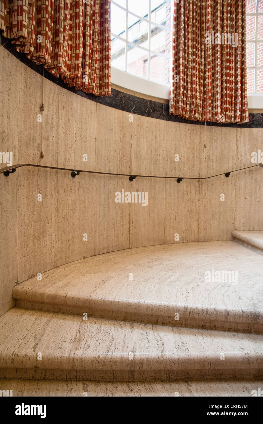 Impressive 1930's travertine staircase and curtains with geometric motif  - at The Barber Institute of Fine - Stock Image