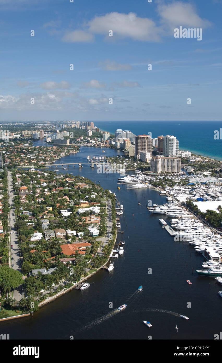 Ft. Lauderdale buildings city Intracoastal Waterway - Stock Image