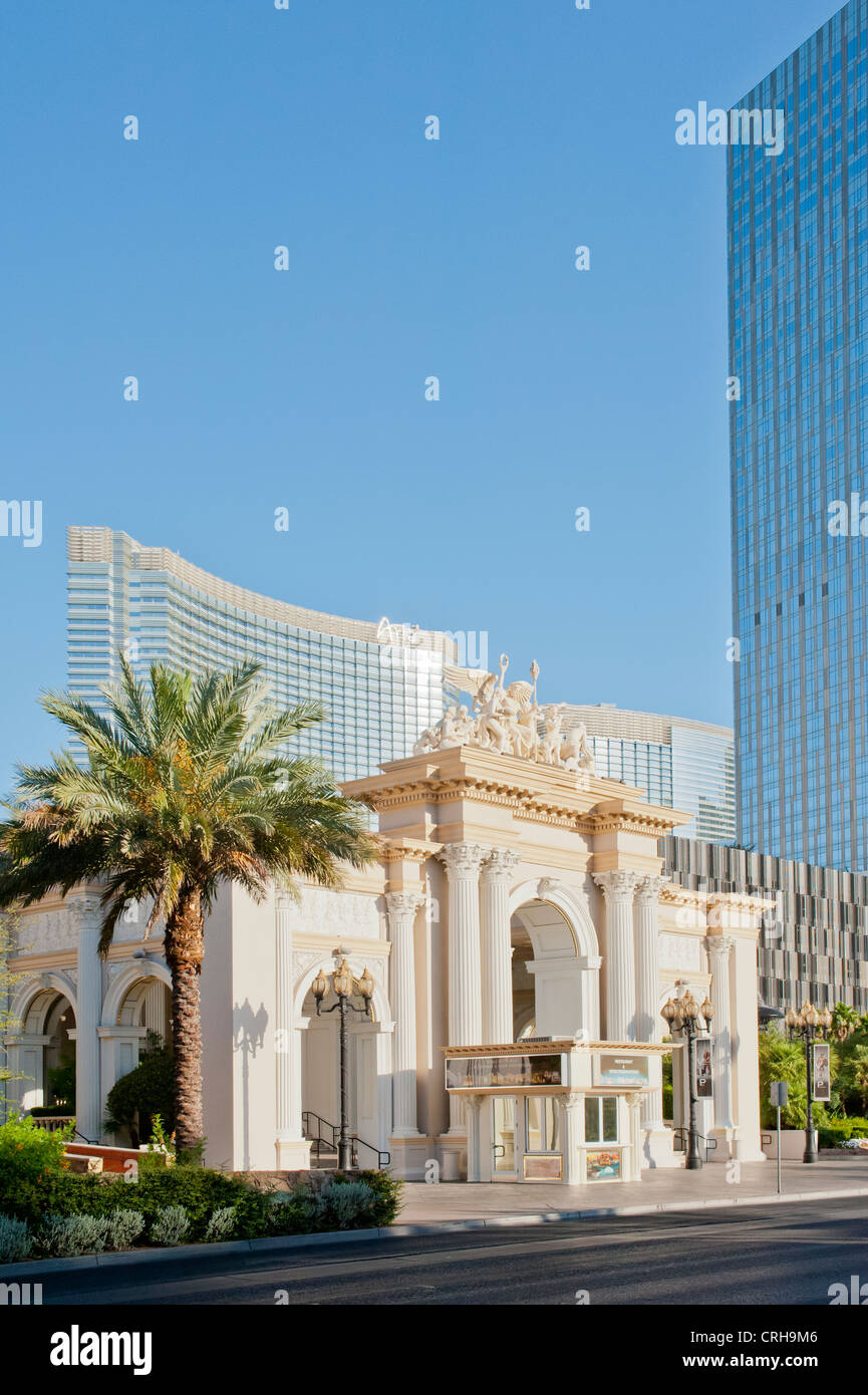 Monte Carlo Resort And Casino >> The Entrance To The Monte Carlo Resort Hotel Casino In Las