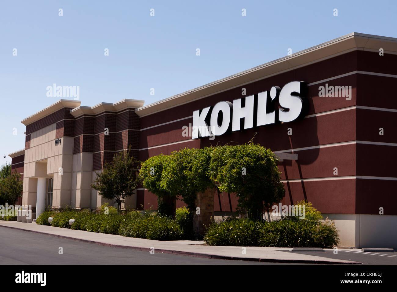 Kohl's department store storefront - California USA - Stock Image