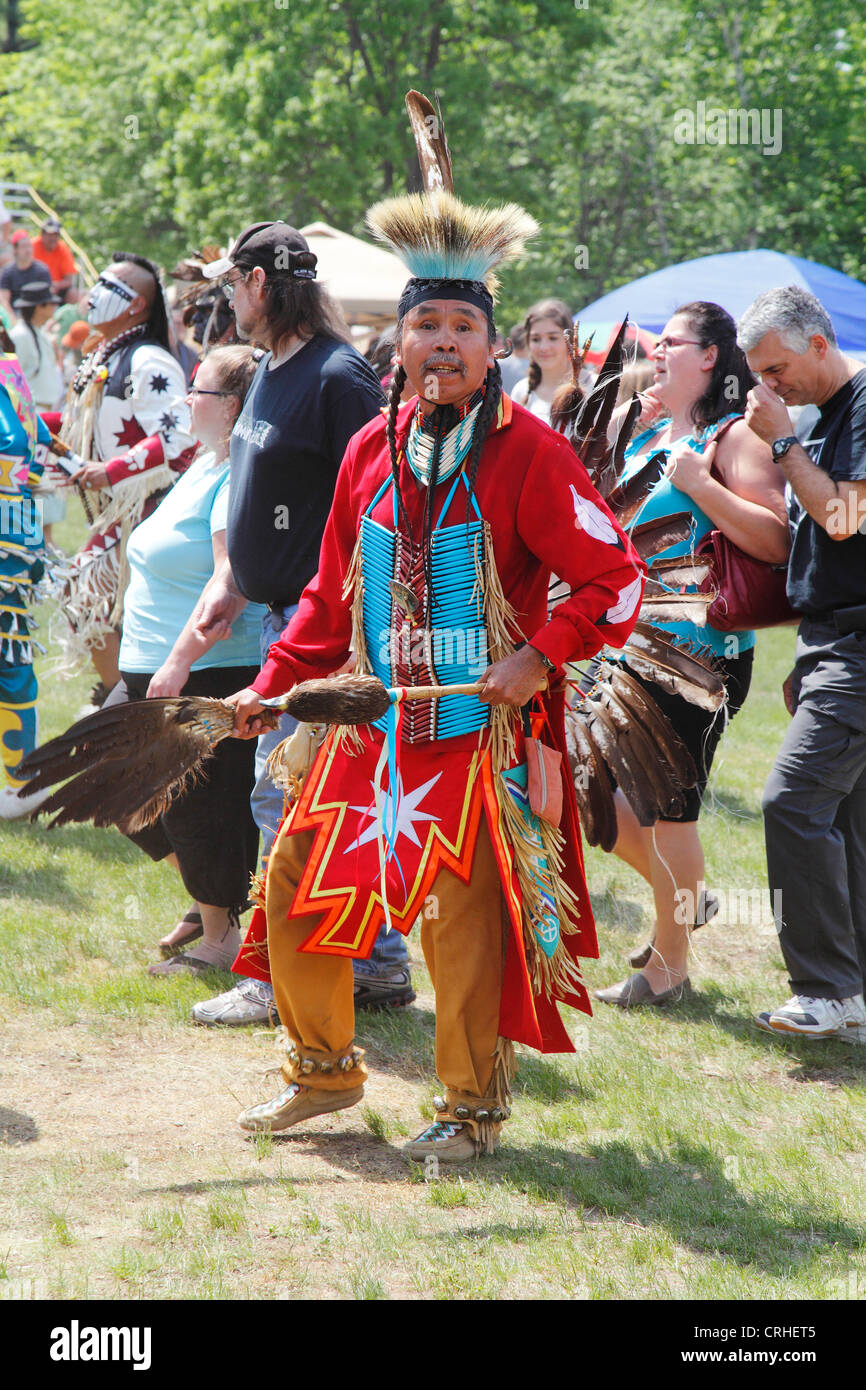 Canadian First Nations Aboriginal Man Dressed In Traditional Regalia - Stock Image