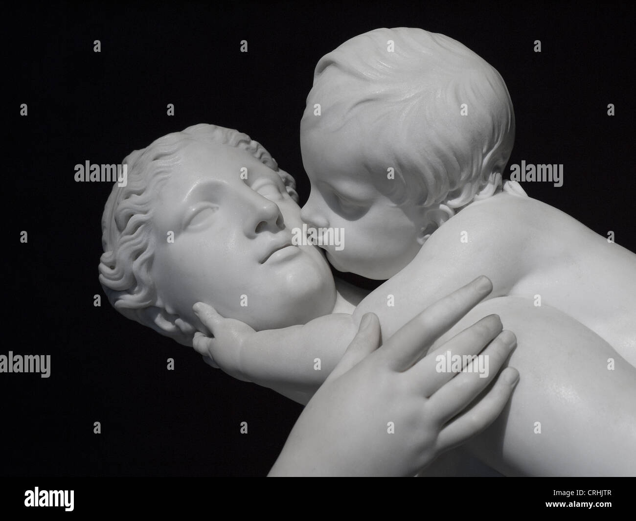 mother and child sculpture - Stock Image