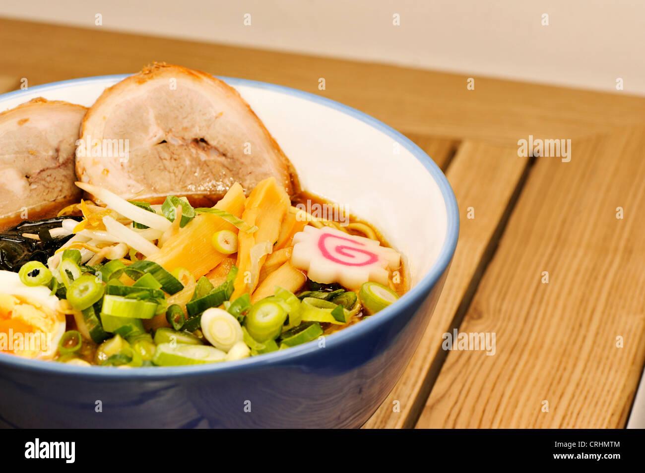 close up of a bowl of ramen - Stock Image