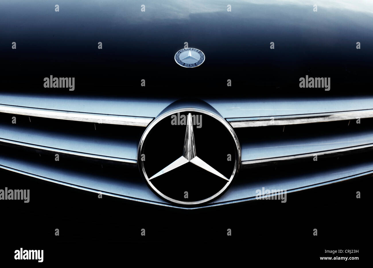 Mercedes Benz Logo High Resolution Stock Photography And Images Alamy