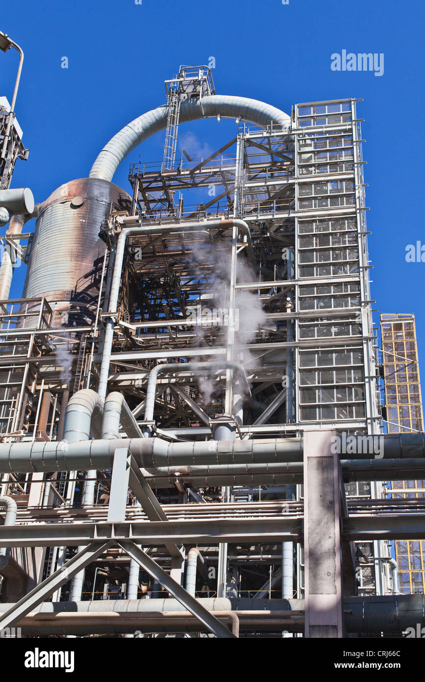 Structure at oil refinery - Stock Image