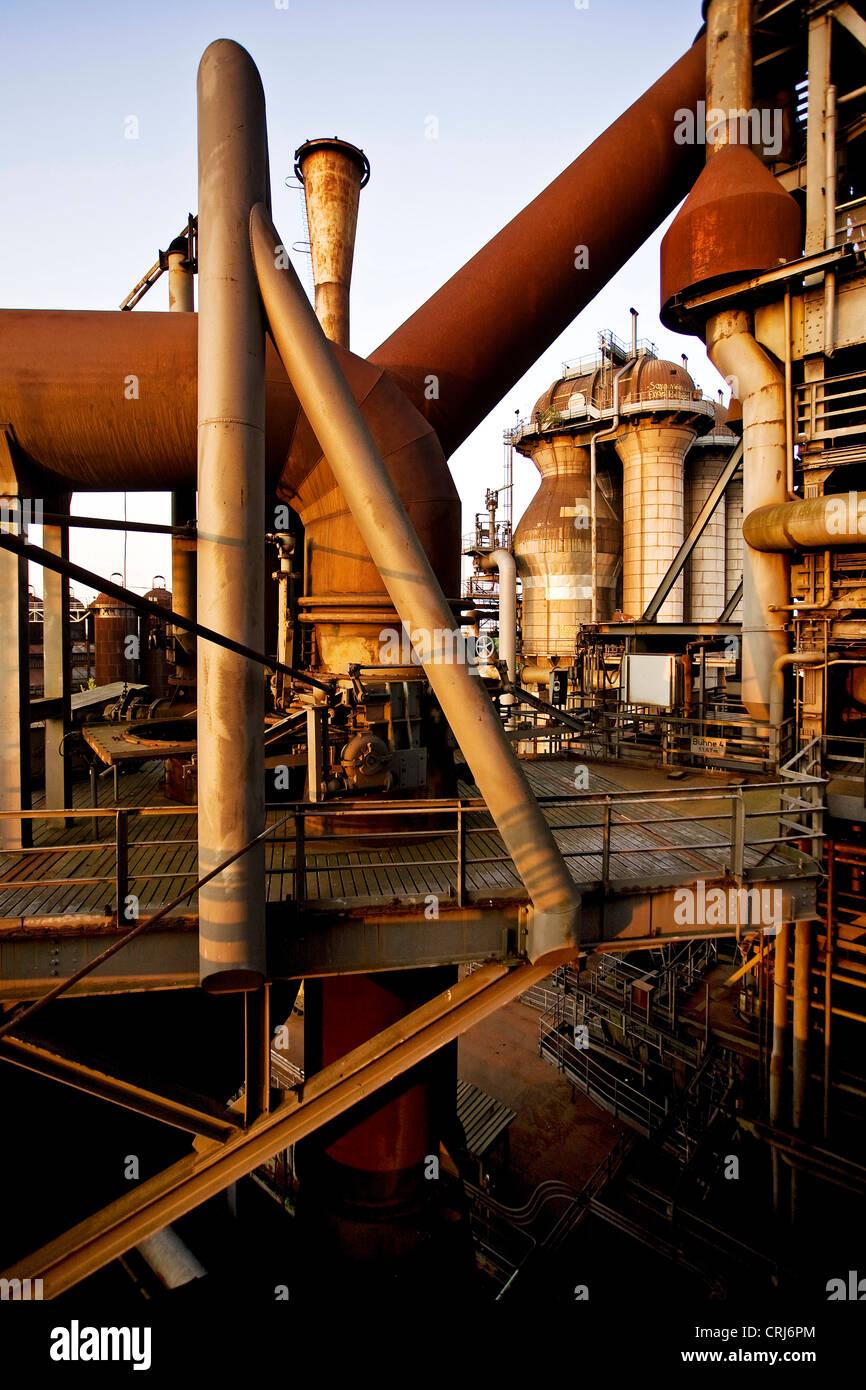 old  blast furnace in the landscape park Duisburg North, Germany, North Rhine-Westphalia, Ruhr Area, Duisburg - Stock Image