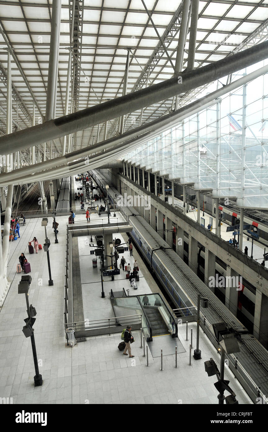 how to go from cdg to paris