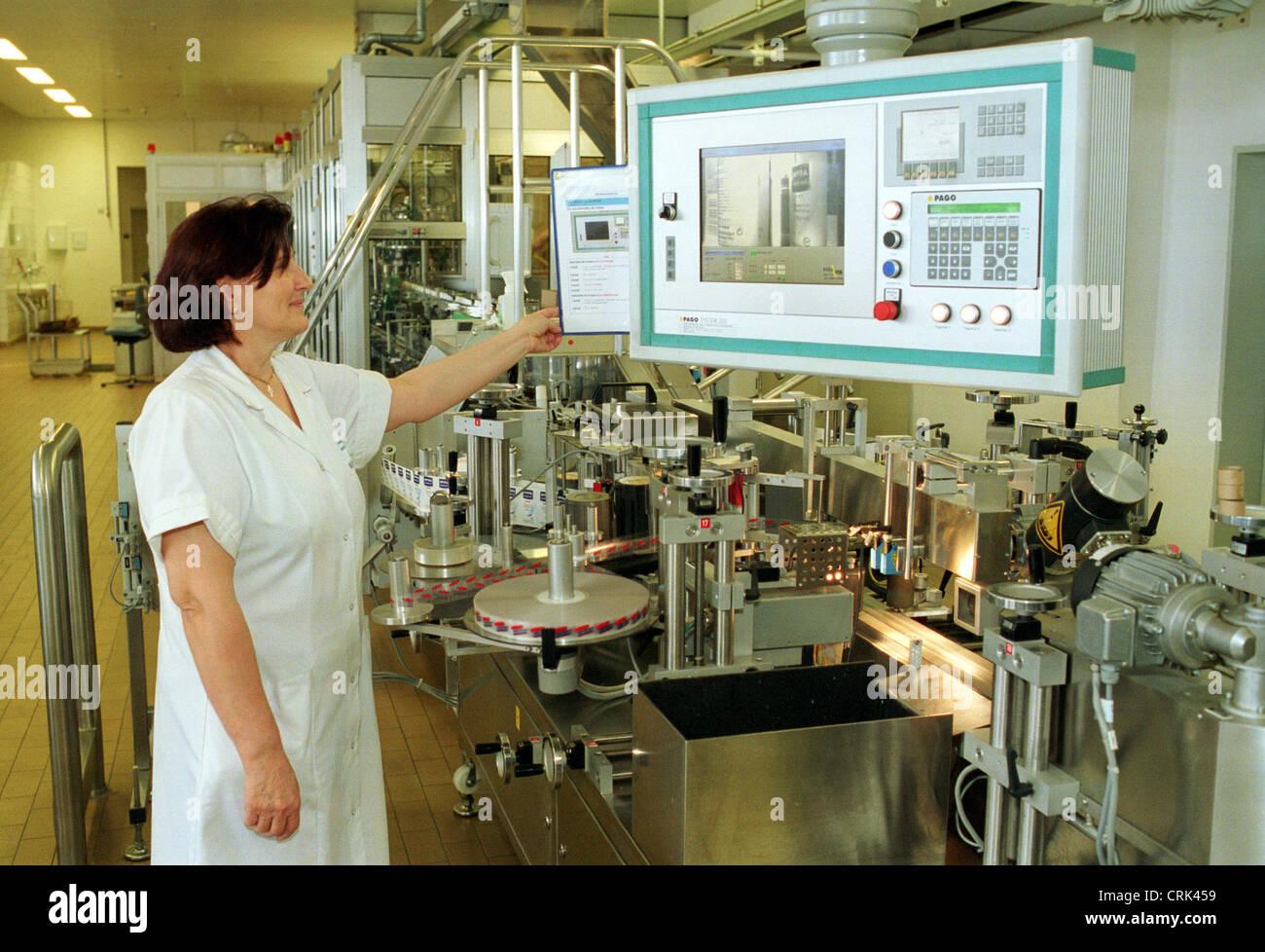 Hamburg, production at Beiersdorf AG (eg Nivea) - Stock Image