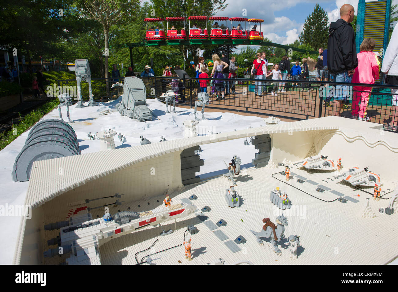 Monorail Passing The Lego Star Wars Diorama Miniland Legoland