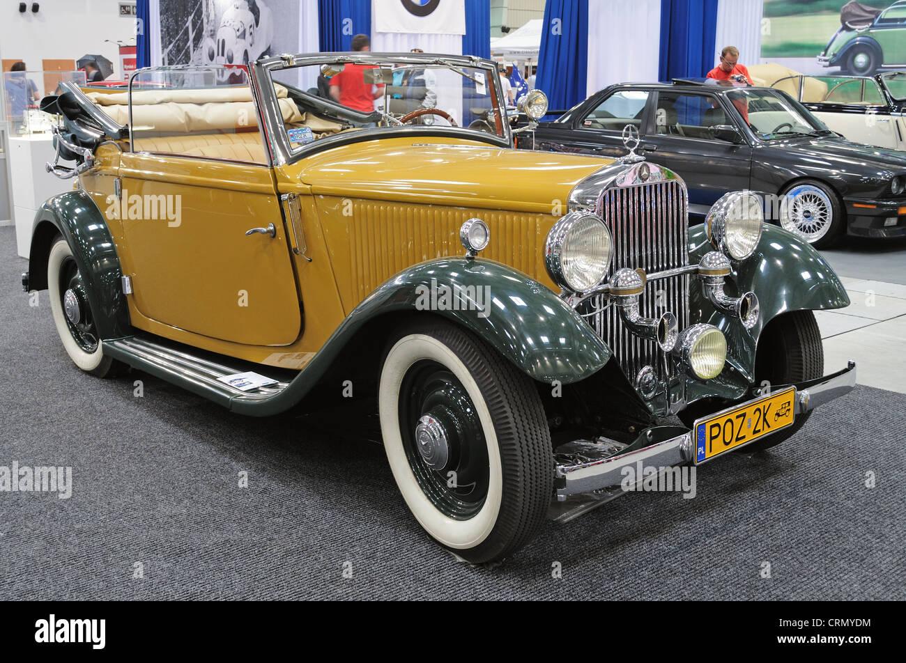 Vintage cabriolet Mercedes Benz 200 - Stock Image