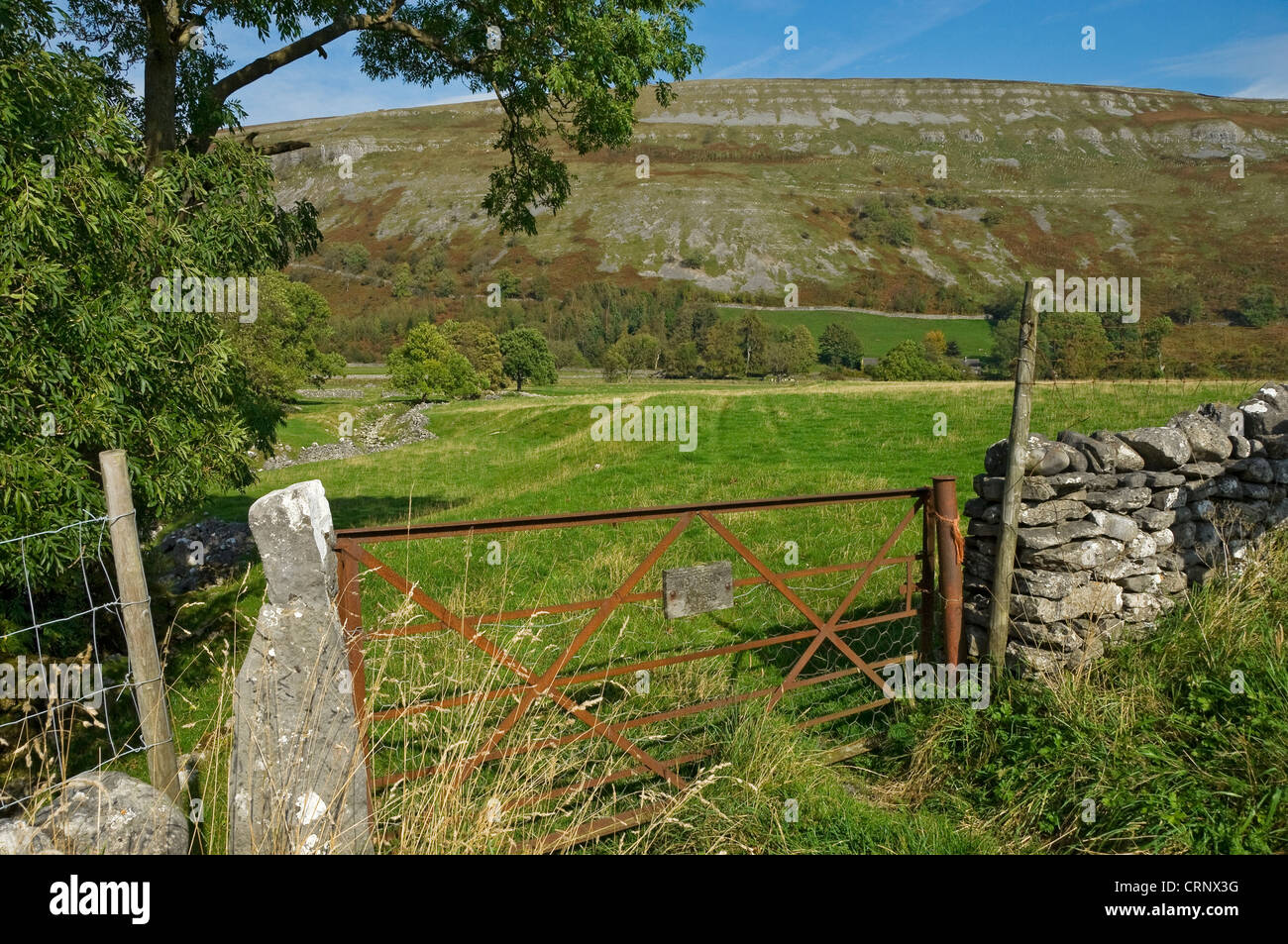 No public access sign on rusty metal gate in Littondale in the Yorkshire Dales. - Stock Image