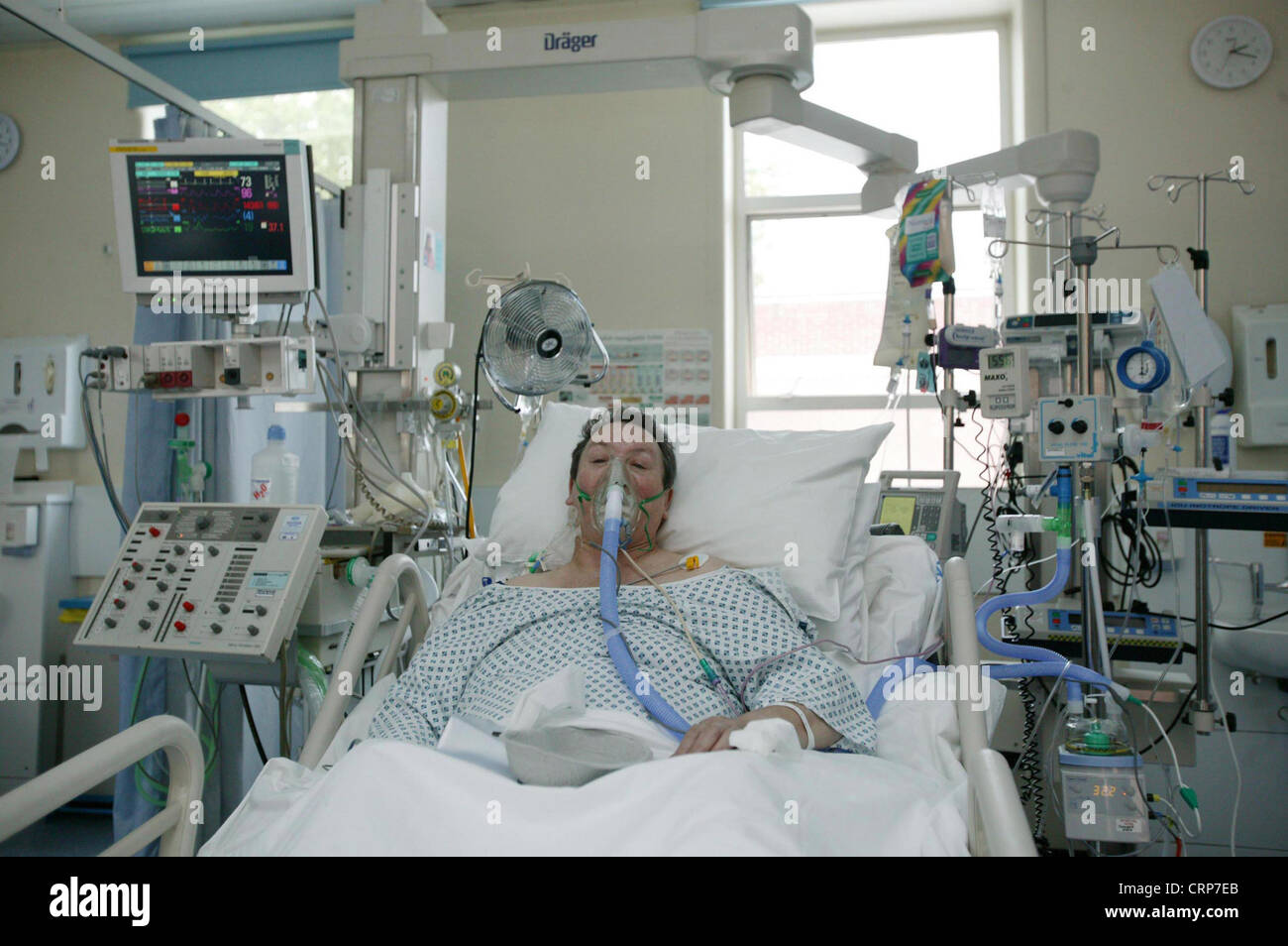 File phase diagram of oxygen  1975 as well Proppr Randomized Clinical Trial furthermore Breweries Ozone further Stock Photo Patient In Hospital Bed After Heart Attack 49046659 in addition Antibiotics Flow Sheet Final. on oxygen administration