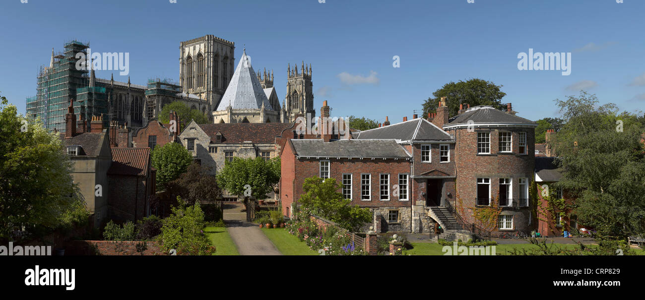 York Minster, Treasurers House and Grays Court from the City Walls. - Stock Image