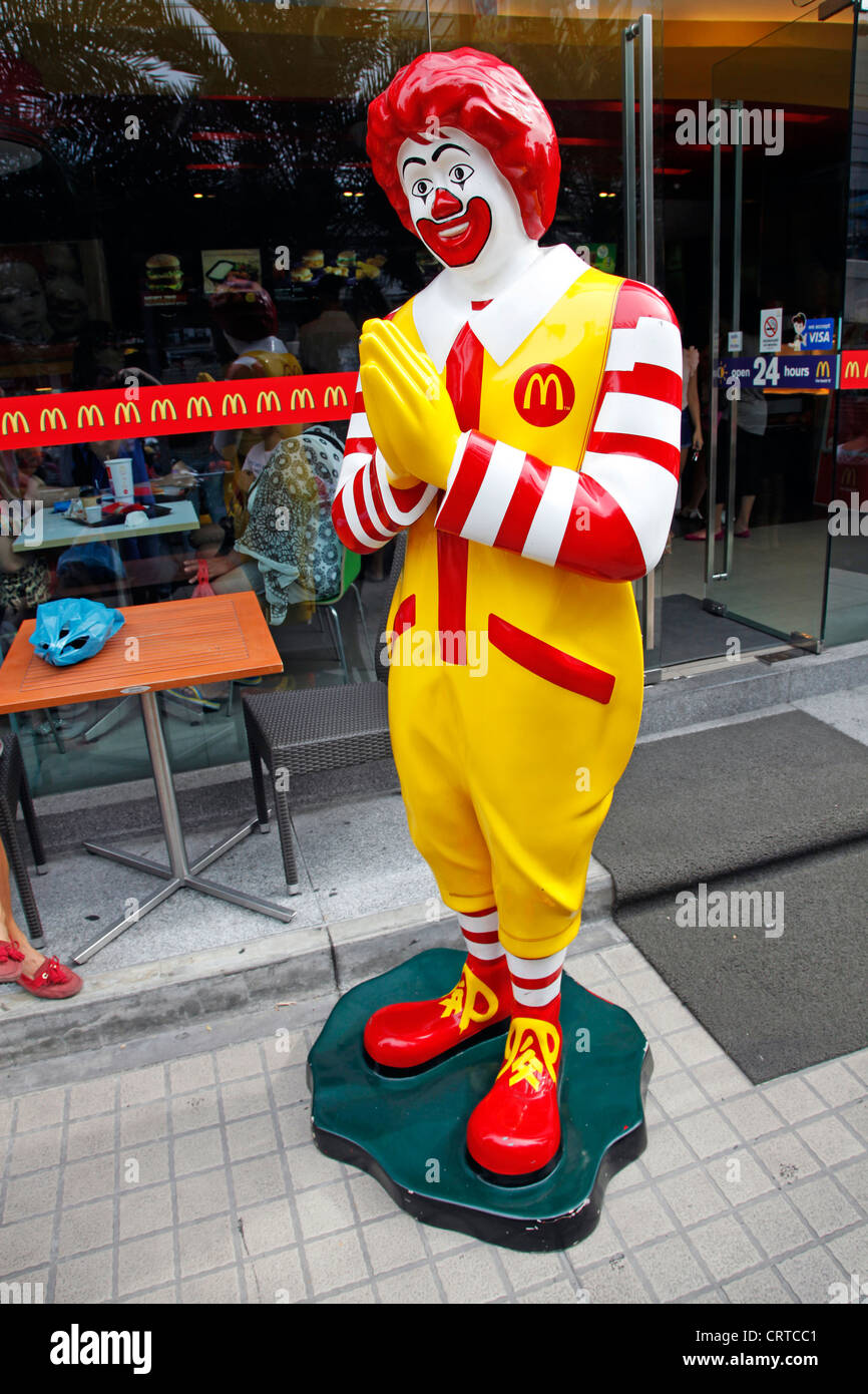 Ronald mcdonald statue making thai greeting sawasdee in bangkok ronald mcdonald statue making thai greeting sawasdee in bangkok stock photo 49094417 alamy m4hsunfo Gallery
