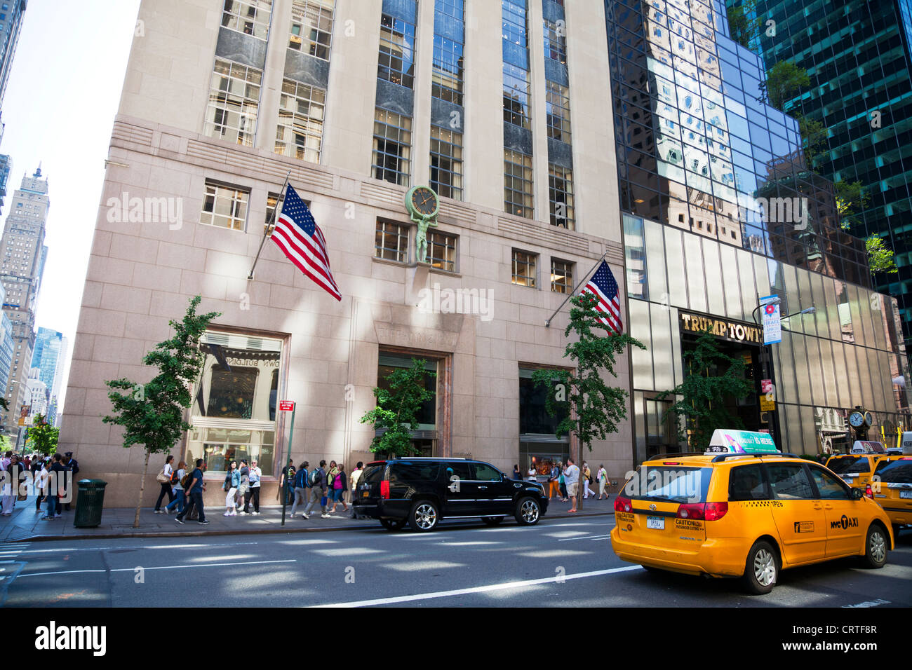 Tiffany co jewelry store in new york city fifth avenue for Where is tiffany and co located